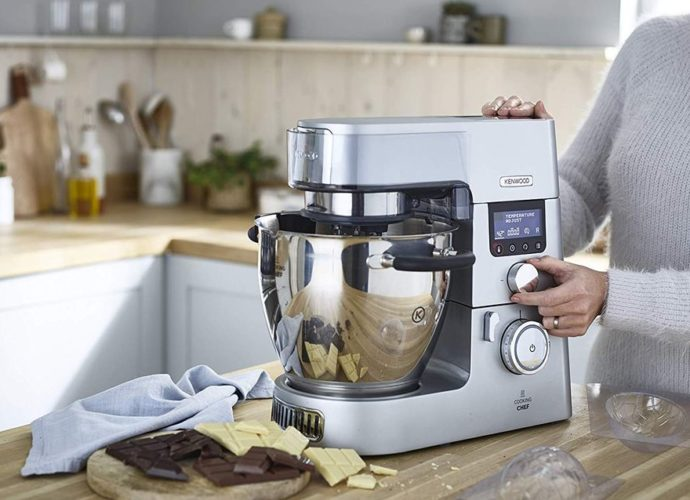 Quelles différences entre robot multifonction, robot cuiseur et robot pâtissier?